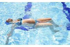 孕妇游泳的好处原来这么多!