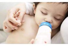 育儿知识大全——吃配方奶的宝宝,每天应该吃几奶适宜呢?