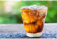 嘉堡服务:孕妇可以喝可乐、雪碧之类的碳酸饮料吗?