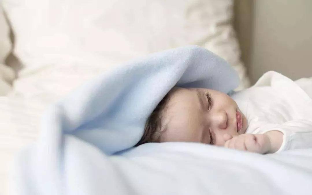 宝宝睡觉惊吓需要注意的几种症状