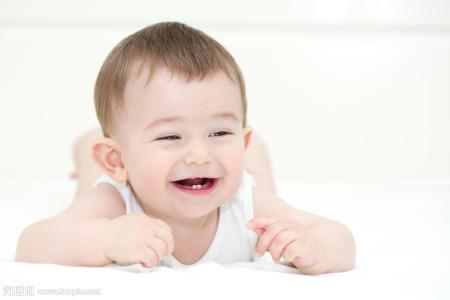 如何正确为宝宝去除头垢?