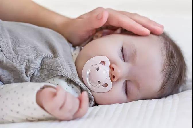 如何护理宝宝的颈部?